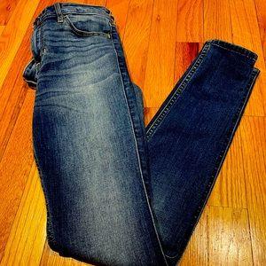 Hollister Jeans Juniors